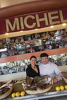 """Europe/France/Provence-Alpes-Côte d'Azur/13/Bouches-du-Rhône/Marseille : Restaurant  Michel """"Brasserie des Catalans"""" Michel et sa fille"""
