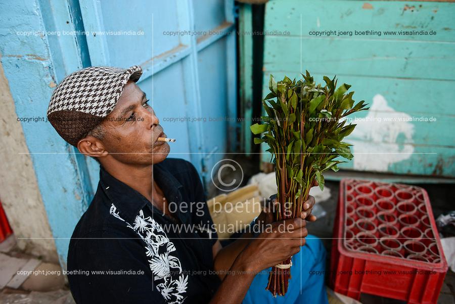 DJIBOUTI, old city, sale of chewing drug Khat / DSCHIBUTI, Altstadt, Verkauf der Droge Khat, das Kauen der Blaetter des Kathstrauch erzeugt einen Rauschzustand, in der Djibouti ist der Verkauf staatlich geregelt, die Blaetter kommen aus Aethiopien