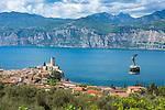 Italy, Veneto, Lake Garda, Malcesine: old town with castle - cable car to Monte Baldo | Italien, Venetien, Gardasee, Malcesine: Altstadt und Scaligerburg - Seilbahn zum Monte Baldo