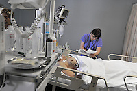 - Milan, S. Carlo Hospital, department of intensive care....- Milano, ospedale S.Carlo, reparto di  terapia intensiva