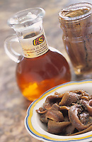 Europe/Italie/Côte Amalfitaine/Campagnie/Cetara : Colatura d'anchois de Cetara jus d'anchois issu des poissons salés livrant ainsi leur suc et servant de condiment