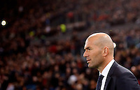 Calcio, andata degli ottavi di finale di Champions League: Roma vs Real Madrid. Roma, stadio Olimpico, 17 febbraio 2016.<br /> Real Madrid's coach Zinedine Zidane arrives for the first leg round of 16 Champions League football match between Roma and Real Madrid, at Rome's Olympic stadium, 17 February 2016.<br /> UPDATE IMAGES PRESS/Riccardo De Luca
