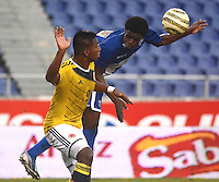 BARRANQUIILLA -COLOMBIA-22-OCTUBRE- 2014. Alfredo Morelos (Izq )  de Colombia Sub-20 disputa el balon con Maylor Nunez de Honduras durante partido por la celebracion de los 90 años de la Liga De Futbol del Atlantico jugado en el estadio Metropolitano de Barranquilla. / Alfredo Morelos  (L) of Colombia U20 dispute the ball with Maylor Nunez of Honduras farrowed during the celebration of the 90th anniversary of the Atlantic League Soccer played at the Metropolitano stadium in Barranquilla. Photo:VizzorImage / Alfonso Cervantes / Stringer