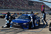 Monster Energy NASCAR Cup Series<br /> FireKeepers Casino 400<br /> Michigan International Speedway, Brooklyn, MI USA<br /> Sunday 18 June 2017<br /> Martin Truex Jr, Furniture Row Racing, Auto-Owners Insurance Toyota Camry<br /> World Copyright: Nigel Kinrade<br /> LAT Images