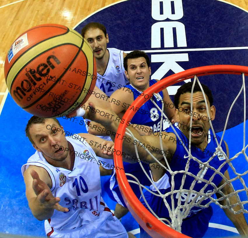 Serbian national basketball team player Dusko Savanovic (10) jumps for the ball during round 1, Group B, basketball game between Serbia and Israel in Lithuania, Siauliai, Siauliu arena, Eurobasket 2011, Friday, September 2, 2011. (photo: Pedja Milosavljevic/SIPA PRESS) remote