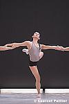 LIGETI ESSAIS<br /> Chorégraphie : Karole Armitage<br /> Musique : György Ligeti<br /> Décors : David Salle<br /> Costumes : Peter Speliopoulos<br /> Lieu : Théâtre du Châtelet<br /> Ville : Paris<br /> Date 12/06/2005<br /> <br /> © Laurent Paillier / photosdedanse.com