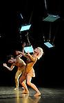 LES TEMPS TIRAILLES..choregraphie : Myriam Gourfink..costumes : Kova ..videaste : Anne Delrieu..lumiere et dispositif scenique : Zakariyya Cammoun..musique : Georg Friedrich Haas..Avec : Pascal Gallois, basson..Garth Knox, Genevieve Strosser , altos..Clemence Coconnier, Celine Debyser, Carole Garriga, Deborah Lary , Julie Salgues, Cindy Van Acker, Veronique Weil..realisation informatique musicale Ircam : Robin Meier....Lieu : Centre Georges Pompidou..Ville : Paris..Le : 20 01 2009..© Laurent Paillier / www.photosdedanse.com..All rights reserved