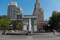 Washington Square fountain and Washington arch on Manhattan, New York