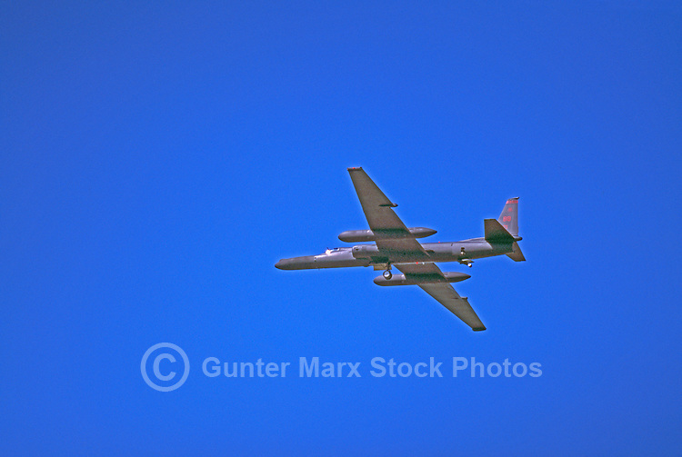 "US Air Force Lockheed U-2 High-Altitude Reconnaissance Military Aircraft (aka ""Dragon Lady"") in Flight - at Abbotsford International Airshow, BC, British Columbia, Canada"