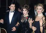 GINA LOLLOBRIGIDA CON IL FIGLIO ANDREA MILKO SKOFIC E MARIA GRAZIA FANTASIA  - PREMIO THE BEST HOTEL PLAZA ATHENEE PARIGI 1993