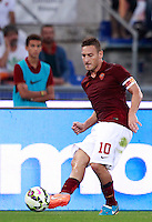 Calcio, Serie A: Roma vs ChievoVerona. Roma, stadio Olimpico, 18 ottobre 2014.<br /> Roma's Francesco Totti in action during the Italian Serie A football match between Roma and ChievoVerona at Rome's Olympic stadium, 18 October 2014.<br /> UPDATE IMAGES PRESS/Isabella Bonotto