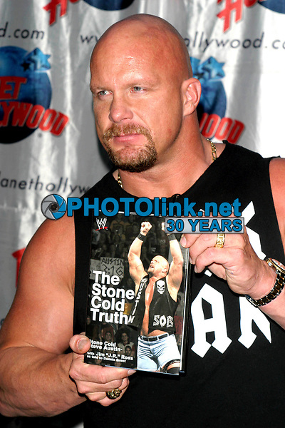 STEVE AUSTIN 10-29-2003<br /> Photo By John Barrett/PHOTOlink