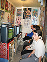 Iran 2004 Sanandaj: au bazar, jeux video<br />