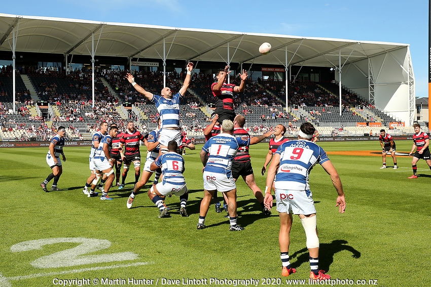 Lineout action from the Mitre 10 Cup rugby match between Canterbury and Auckland at Orangetheory Stadium in Christchurch , New Zealand on Sunday, 15 November 2020. Photo: Martin Hunter / lintottphoto.co.nz