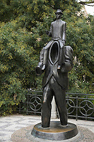 Europe/République Tchèque/Prague:Statue en bronze à l'effigie de Kafka