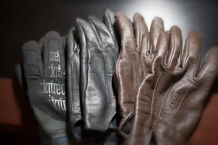 It's not officially fall/winter unless it's cold enough for me to pull out these hand gloves. Burrrrrr…I like the winter weather though, yet it's only second place to rainy weather to me (something about water from the sky falling to the ground that's exciting).