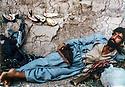 Iraq 1980<br /> The rest of the peshmergas during the armed struggle<br /> Irak 1980<br /> Repos du pehmerga pendant la lutte armée