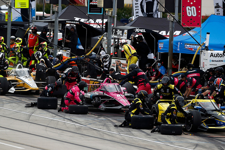 #60: Jack Harvey, Meyer Shank Racing Honda pit stop