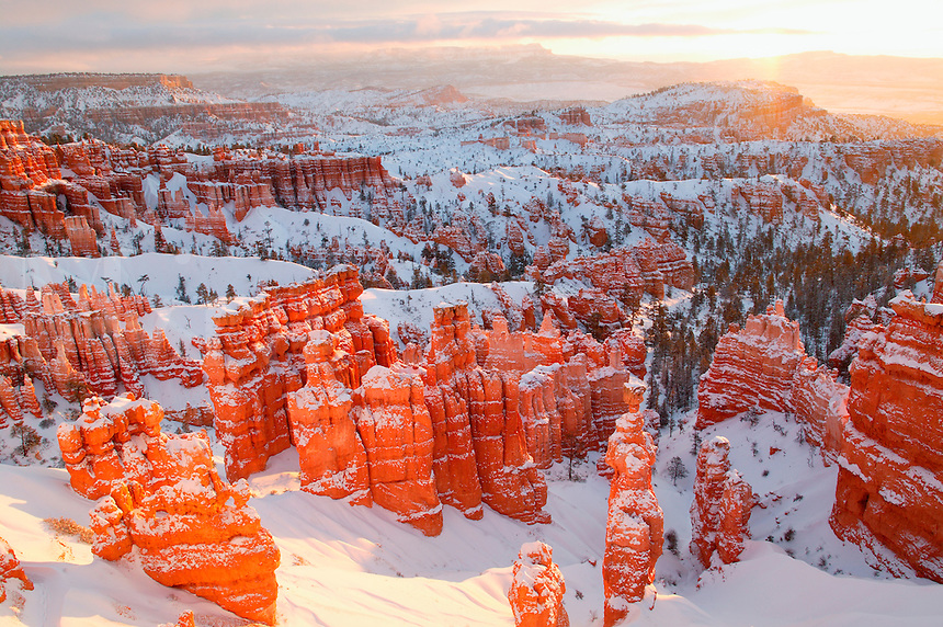 Sunset Point during winter, Bryce National Park, Utah.