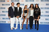 VINCENT PEREZ, PABLO PEREZ, TESS PEREZ, KARINE SILLA (SON EPOUSE), IMAN PEREZ - AVANT-PREMIERE DU FILM 'VALERIAN ET LA CITE DES MILLES PLANETES' A LA CITE DU CINEMA, SAINT-DENIS, FRANCE, LE 25/07/2017.