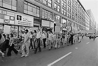 Manifestation<br />  contre les riches, le 10 aout 1977<br /> <br /> Photo : Agence Quebec Presse