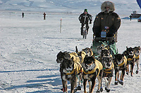 Jeff King reaches the Unalakleet checkpoint. Photo by Jon Little.