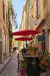 Frankreich, Provence-Alpes-Côte d'Azur, Saint-Tropez: Altstadtgasse | France, Provence-Alpes-Côte d'Azur, Saint-Tropez: old town lane
