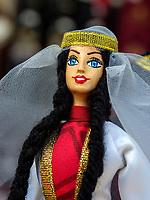 Puppen in traditioneller Kleidung - Souvenir, Batumi, Adscharien - Atschara, Georgien, Europa<br /> dolls in traditional dress, Batumi, Adjara,  Georgia, Europe
