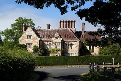 Great Britain, England, East Sussex, Burwash: Bateman's (home of author Rudyard Kipling)   Grossbritannien, England, East Sussex, Burwash: Bateman's aus dem 17. Jh. hier lebte der Schriftsteller Rudyard Kipling bis zu seinem Tod