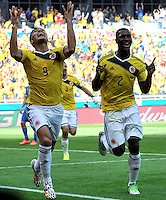 BELO HORIZONTE - BRASIL -14-06-2014. Teófilo Gutiérrez (Izq) jugador de Colombia (COL) celebra un gol anotado a Grecia (GRC) durante partido del Grupo C de la Copa Mundial de la FIFA Brasil 2014 jugado en el estadio Mineirao de Belo Horizonte./ Teofilo Gutierrez (L)player of Colombia (COL) celebrates a goal scored to Grece (GRC) during the macth of the Group C of the 2014 FIFA World Cup Brazil played at Mineirao stadium in Belo Horizonte. Photo: VizzorImage / Alfredo Gutiérrez / Contribuidor