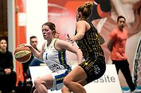 13-03-2021: Basketbal: Keijser Capital Martini Sparks v Grasshoppers: Haren Martini Sparks speelster Ires van de Wal in duel met Grasshoppers speelster Ilse Kuijt