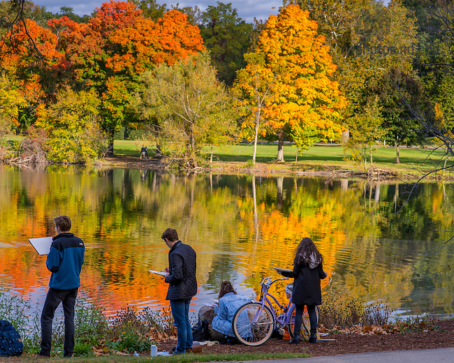 Oct. 14, 2015; Students work on watercolor paintings near St. Mary's Lake. (Photo by Matt Cashore/University of Notre Dame)