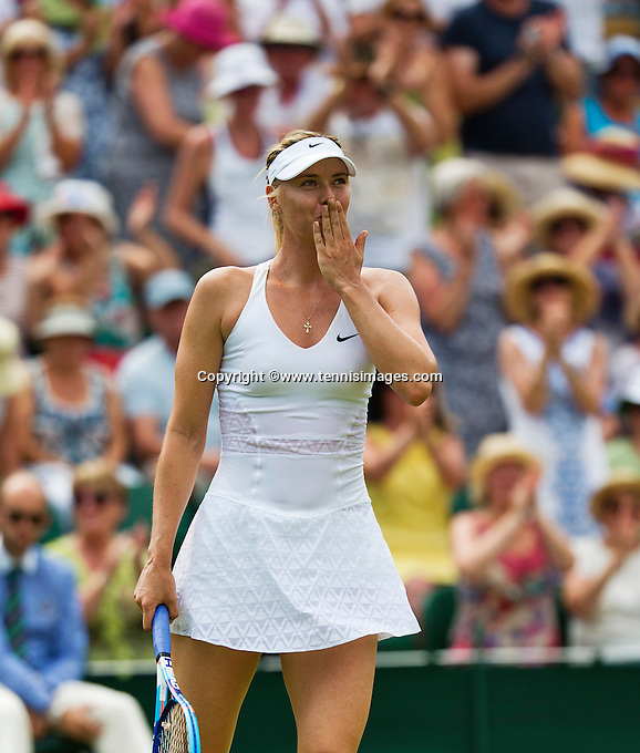 England, London, July 1, 2015, Tennis, Wimbledon, Maria Sharapova (RUS) handwissels the crowd after her win over Hogenkamp (NED)<br /> Photo: Tennisimages/Henk Koster