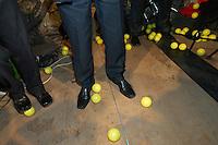 "UNGARN, 11.04.2010. Budapest. Parlamentswahl. Wahlnacht der neuen gruenen Partei LMP (Lehet Mas a Politika, Politik kann anders sein) im Szenelokal ""instant"". Die LMP ist mit 7,5% die Ueberraschungssiegerin der Wahl. Der Vorstand wird mit gelben Baellen beworfen. - Parliamentary elections. Election night with the new green party LMP (politics can be different) at the ""instant"" in-pub. LMP gets 7,5% and is the surprise winner of the elections. Throwing yellow balls at the steering committee..© Martin Fejer/EST&OST."