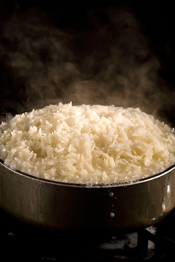 Steaming white rice