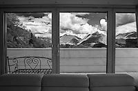 """ad Agra, sopra Lugano in Canton Ticino, è da pochii mesi aperto il lussuoso Resort """"Collina d'Oro"""", nato sui resti di quello che fu il """"sanatorio nazista"""" durante i primi decenni del secolo scorso.<br /> Agra, above Lugano in Canton Ticino, is open for a few months the luxurious resort """"Golden Hill"""",""""Collina d'Oro, born on the ruins of what was once the """"sanatorium Nazi"""" during the early decades of the last century."""