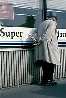 Personne agee dans les annees 80, (date inconnue vers 1985)<br /> <br /> PHOTO :  Agence Quebec Presse
