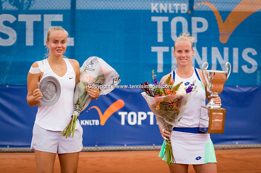Amstelveen, Netherlands, 1 August 2020, NTC, National Tennis Center, National Tennis Championships,  Womans Final : Richel Hogenkamp (NED) winner (R) and runner up Bente Spee (NED)<br /> Photo: Henk Koster/tennisimages.com