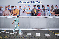 BOGOTA - COLOMBIA, 18-02-2021: Primera jornada de vacunación contra el COVID-19 (Coronavirus) que se llevo a cabo en la clínica Colombia en la ciudad de Bogotá. Son las primeras 50.000 vacunas de la farmacéutica Pfizer y que representan un 0.08% de las requeridas en Colombia fueron distribuidas en diferentes ciudades del país para comienzan su aplicación en personal de la salud que son los más expuestos al contagio del Coronavirus. / First day of vaccination against COVID-19 (Coronavirus) that took place at the Colombia clinic in the city of Bogotá. They are the first 50,000 vaccines from the pharmaceutical company Pfizer that represent 0.08% of those required in Colombia and were distributed in different cities of the country to begin their application in health personnel who are the most exposed to the contagion of the Coronavirus. Photo: VizzorImage / Johan Rugeles / Cont