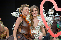 Sandrine Arcizet portant la robe de Angelique Godey et Stephane Bonnat au Salon du Chocolat coiffure Franck Provost maquillage Make Up For Ever Paris 2017 - SALON DU CHOCOLAT 2017, 27/10/2017, PARIS, FRANCE