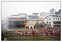 Népal<br /> Kathmandu- Pashupatinath, le Temple d'or, rivière Bagmati, crémation.