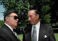 Andre Ouellet (G) et Marc Lalonde (D)  au Funerailles du senateur Rizutto, le 7 aout 1997,  a L'eglise Saint-Jean-Goualbert a Laval-sur-le-lac.<br /> <br /> PHOTO :  Agence Quebec Presse<br /> <br /> Les images commandees seront recadrees lorsque requis