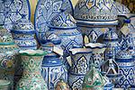 ESP, Spanien, Andalusien, Córdoba: Keramiken, Kruege, Vasen | ESP, Spain, Andalusia, Córdoba: ceramics, jars, vases