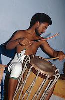 Musiker beim Kathakali-Tanz, Cochin (Kerala), Indien.