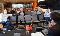 01-12-11,Rotterdam, Topsportcentrum, Persconferentie Masters en NRK, Raemon Sluiter kondigt het spelersveld aan.