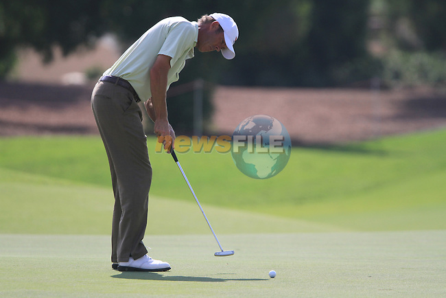 Richard Green takes his putt on the 15th green during Day 3 of the Dubai World Championship, Earth Course, Jumeirah Golf Estates, Dubai, 27th November 2010..(Picture Eoin Clarke/www.golffile.ie)