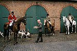 Quantock Staghounds 1990s Uk. Quantock Hills Somerset. Lawn Meet Bagborough House, the last Meet of the hunting season 1997. Stirrup Cup being given to huntmans by Philip Brooke-Popham  owner of Bagrurgh House.