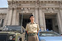 - soldiers in security service near Milan Central Station....- militari in servizio di sicurezza nei pressi della Stazione Centrale di Milano