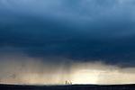 Europa, DEU, Deutschland, Nordrhein Westfalen, NRW, Ruhrgebiet, Bottrop, Blick von der Halde Haniel, Wetterfront, Regen, Kraftwerk, Kategorien und Themen, Energie, Energien, Strom, Stromerzeugung, Energieversorgung, Energiewirtschaft, Versorgung, Wetter, Himmel, Wolken, Wolkenkunde, Wetterbeobachtung, Wetterelemente, Wetterlage, Wetterkunde, Witterung, Witterungsbedingungen, Wettererscheinungen, Meteorologie, Bauernregeln, Wettervorhersage, Wolkenfotografie, Wetterphaenomene, Wolkenklassifikation, Wolkenbilder, Wolkenfoto....[Fuer die Nutzung gelten die jeweils gueltigen Allgemeinen Liefer-und Geschaeftsbedingungen. Nutzung nur gegen Verwendungsmeldung und Nachweis. Download der AGB unter http://www.image-box.com oder werden auf Anfrage zugesendet. Freigabe ist vorher erforderlich. Jede Nutzung des Fotos ist honorarpflichtig gemaess derzeit gueltiger MFM Liste - Kontakt, Uwe Schmid-Fotografie, Duisburg, Tel. (+49).2065.677997, archiv@image-box.com, www.image-box.com]