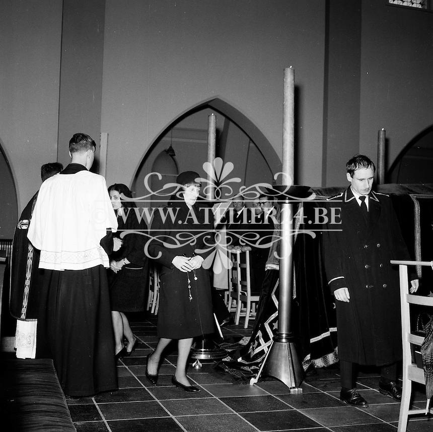 Juli 1964. Begrafenis.